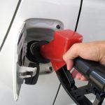 急なガス欠!自動車保険の「無料」補給サービスを利用しよう!